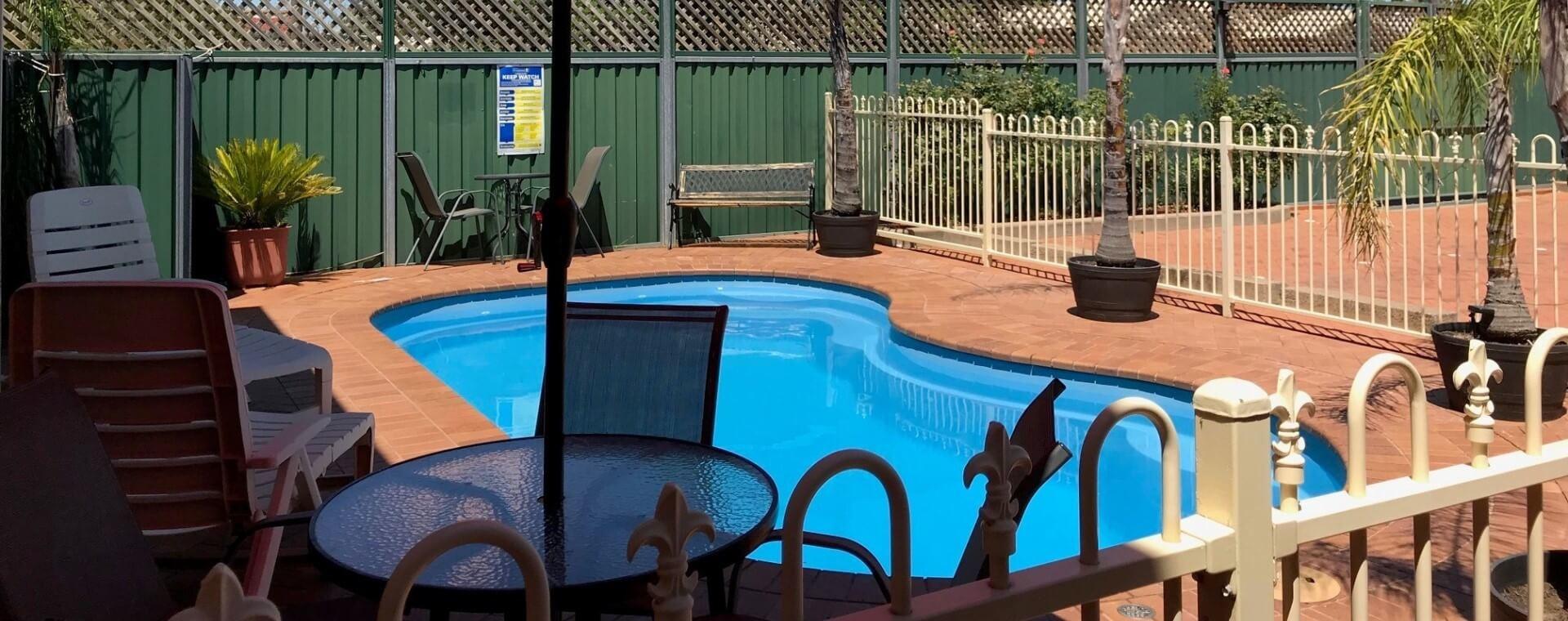 Pool - Endeavour Court Motor Inn Dubbo NSW