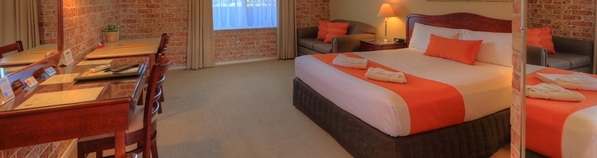 Queen Room - Endeavour Court Motor Inn Dubbo NSW